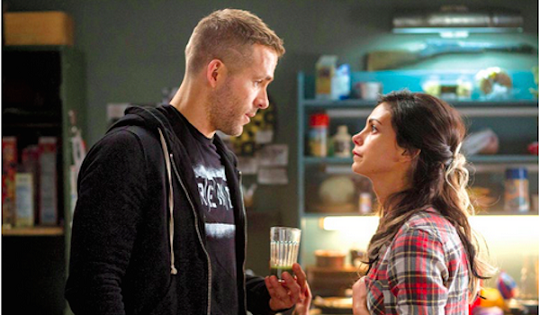 ryan-reynolds-morena-baccarin-deadpool-600x350