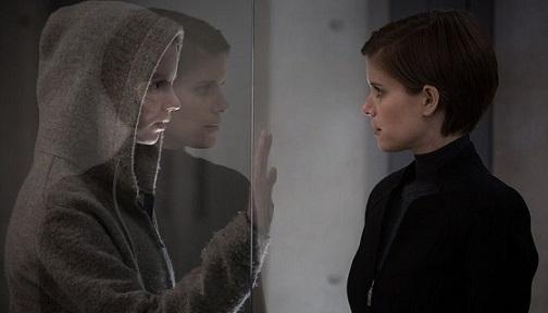 morgane-critique-film-kate-mara-as-lee-weathers-anya-taylor-joy-as-morgane